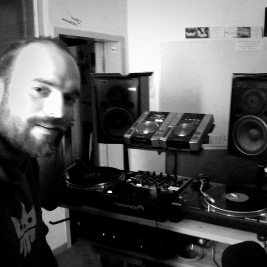 heavy rotation on every channel. Kemuri & OP taking over rewind![<<] radio @ Radio FSK. The mix is uploaded @ https://soundcloud.com/opi/rewind-radio-show-b2b Taking Pictures Wheels Of Steel Monochrome Hello World