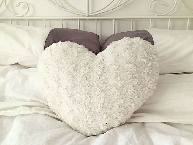 Fresh Bedding Bedroom Our Home  EyeEm Selects Indoors  Heart Shape Positive Emotion Love Emotion Furniture Creativity Textile Art And Craft No People White Color Pattern Bed Close-up Pillow Lifestyles Still Life Floral Pattern