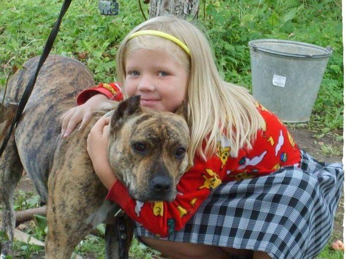я маленькая. я в 8 лет с собакой :) неправдами милашка?)))