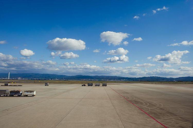 Airport Sky