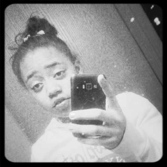 No makeup no phone case no nothing !!! Oh well ( :