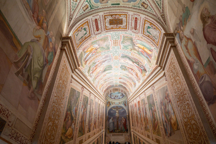 Ceiling Indoors  Architecture Built Structure Art And Craft Mural Place Of Worship Religion Belief Building Human Representation Arch Travel Destinations Representation Creativity Spirituality No People History Fresco Architectural Column Architecture And Art Ornate