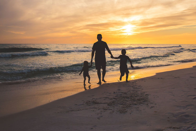 Beach Beauty In Nature Family Horizon Over Water Outdoors People Sky Sunset
