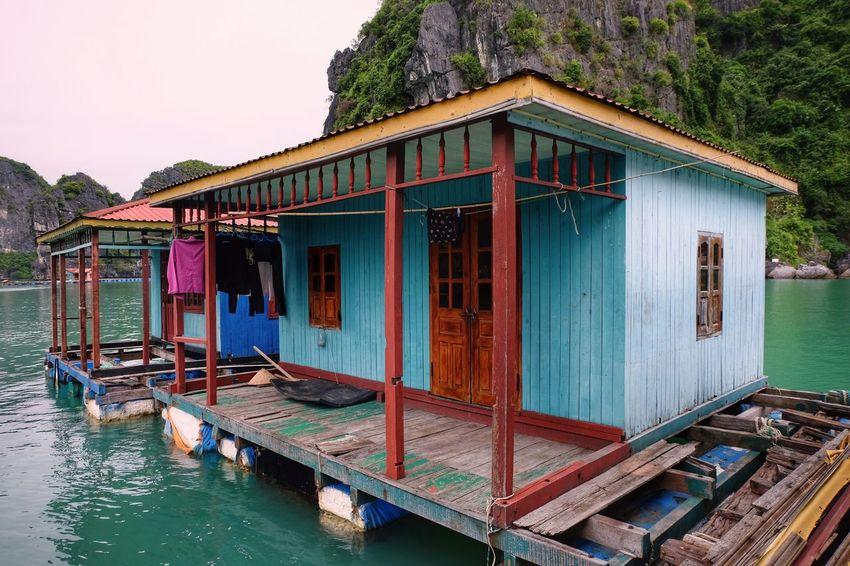 Built Structure Water Building Exterior Floating House Houseboat Wood - Material Green Water Ocean Sea Colorful Ha Long Bay Vietnam Fujifilm Fujifilm_xseries FUJIFILM X-T10