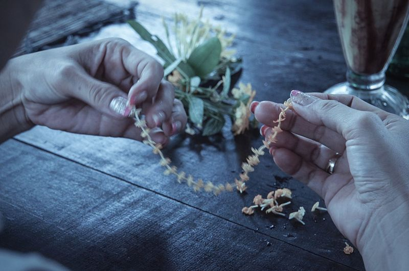 Handmade For You Human Hand Women Close-up Enjoying Life Contrast Human Body Part Getting Inspired EyeEm Gallery Flowers ArtWork Depth Of Field Leisure Activity EyeEm Masterclass Domestic Life Lifestyles Shootermag Art Is Everywhere Break The Mold Live For The Story Modern Workplace Culture