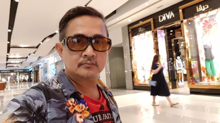 Selfie at Avenues Malls in Kuwait The Portraitist - 2018 EyeEm Awards Eyeglasses  City Fashion Store Young Women Arts Culture And Entertainment Retail  Sunglasses Eyewear Window Shopping Window Display