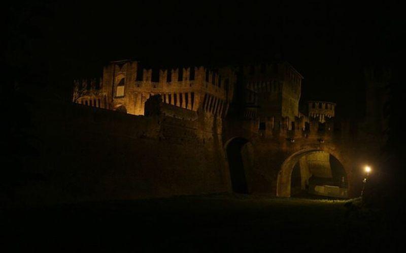 17novembre Soncino Castle Roccasoncino Notte CanonEOS650D Canon Photo Night Roccasforzesca Igerscremona Ig_italia Ig_lombardia