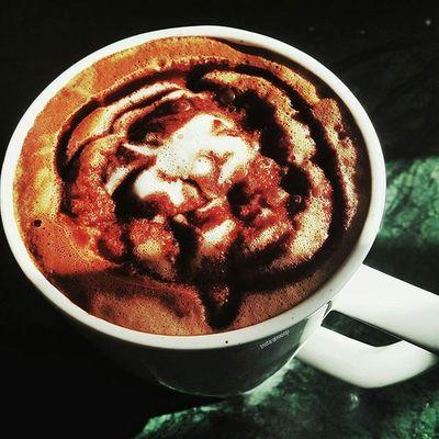 يا مَن بيدكَ كلُ شيء ؛ أسعدنا بِما نتمنّى 🎼. صباح_الخير تصويري  فوتو_عرب يومياتي مصورة_مبدعة مصوره فوتوغرافي عدستي لقطة عالم_القهوة بدون_تعديل صور Coffee