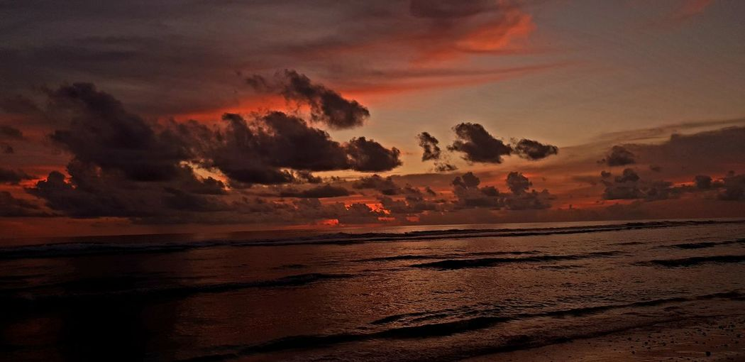 sunset Sunsey Cloudandsky Water Horizon Over Water Seascape Sea Sea And Sky Sea View Cloud - Sky Cloudy Sun Sunset_collection Sundown, Nightfall, Close Of Day, Twilight, Dusk, Evening