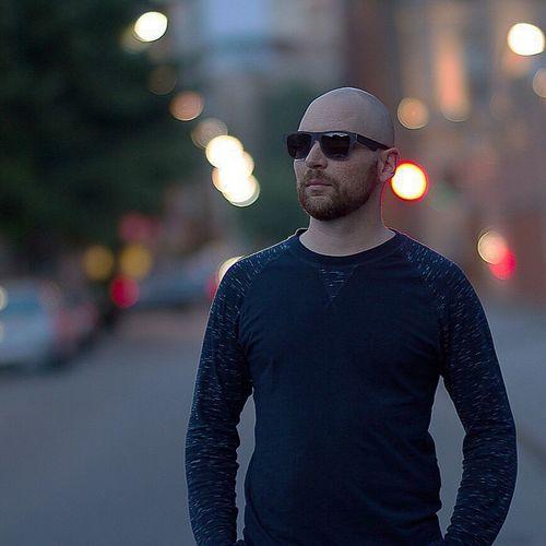 Picture of myself by Michel Castilloux Myself Dj Michel Castilloux Wyseman Montréal Centreville Downtown Sungoesdown Sunglasses