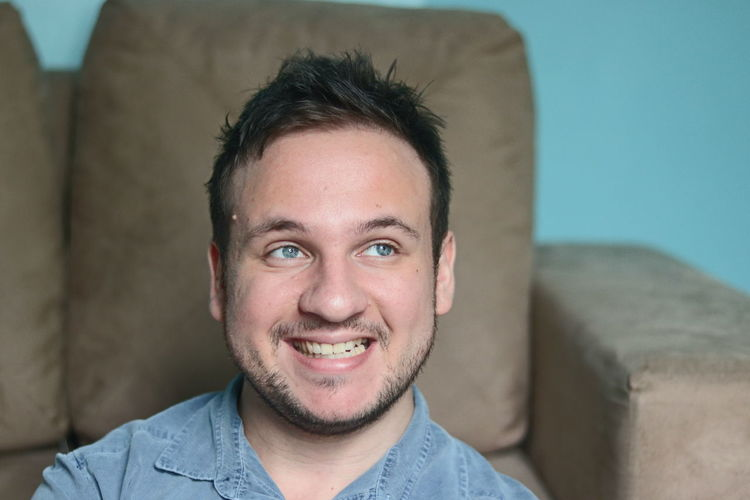 Portrait Headshot Smiling Looking At Camera One Person Front View Happiness Emotion Casual Clothing Beard Indoors  Teeth Young Adult Toothy Smile Facial Hair Adult Confidence  Young Men