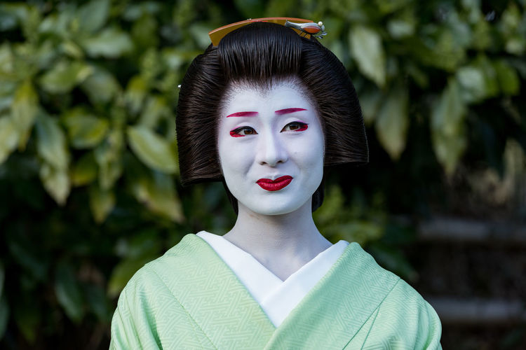Geisha portrait Beautiful People Beautiful Woman Beauty Close-up Females Freshness Geiko Geisha Headshot Human Body Part Human Lips Japan Japanese Culture Looking At Camera Nature One Person One Woman Only One Young Woman Only Oriental Outdoors People Portrait Real People Women Young Adult