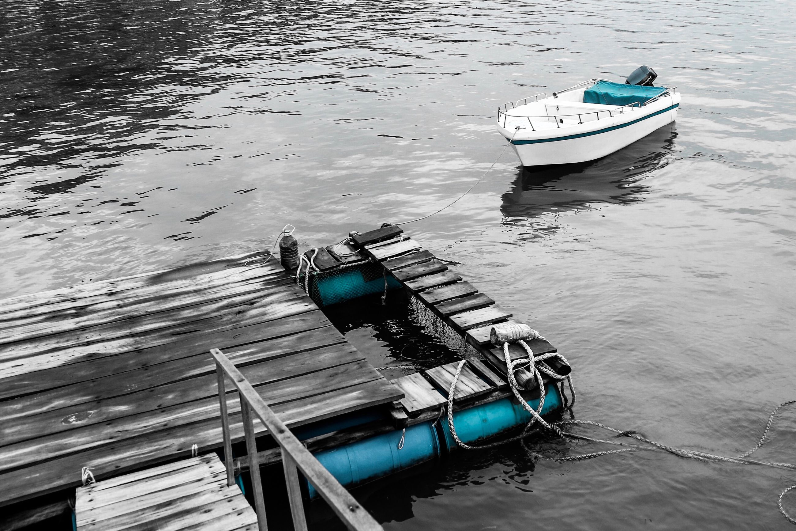 nautical vessel, water, transportation, high angle view, mode of transport, moored, day, outdoors, nature, no people