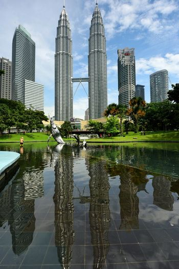 KLCC Twin Tower First Eyeem Photo KLCC Tower Suria KLCC KLCC Park Malaysia Petronas Twin Towers Reflection Landscape Architecture Summer Views