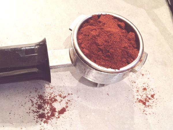 Tamper Espresso Coffee Barista Coffee At Home Coffee Grinder Grinder Espressomaker Espressoshot Making Coffee Brewing Espresso Macchiato Espresso Machine Coffee Cup Coffee Break Coffee And Cigarettes Portafilter My Favorite Breakfast Moment