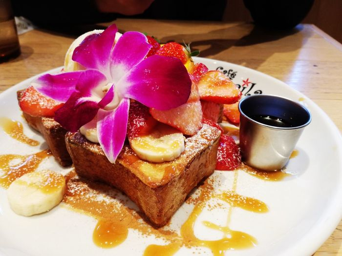 French Toast For Breakfast Hawaii Food And Drink Food Dessert Plate Indoors  Freshness Serving Size Sweet Food Close-up No People Ready-to-eat