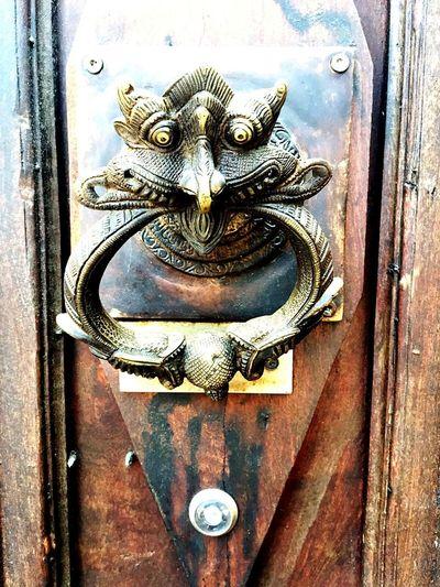Door Metal Wood - Material Close-up Demonio