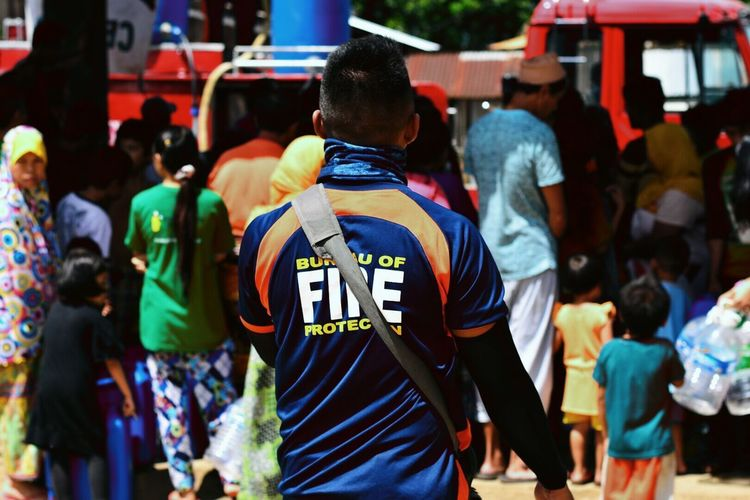 Rear View Firefighter Relief Operation Bfp Marawi Crisis Volunteer Firefighters In Action Firefighterfamilly Volunteer Work Volunteering Firefighter Swag