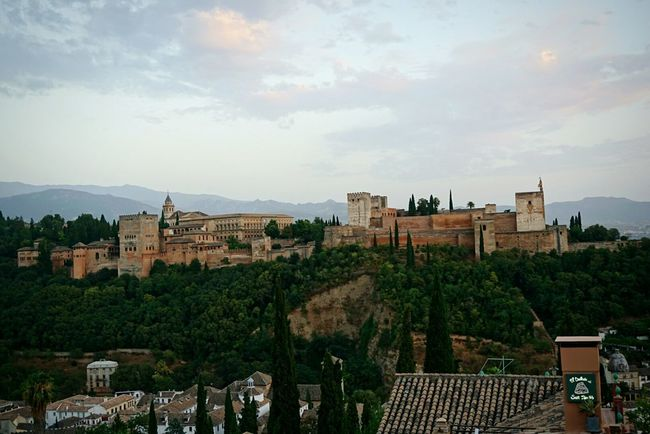 Alhambra De Granada  España🇪🇸 Vacations Sky Beautiful Granada, Spain Alambra Summer Castello