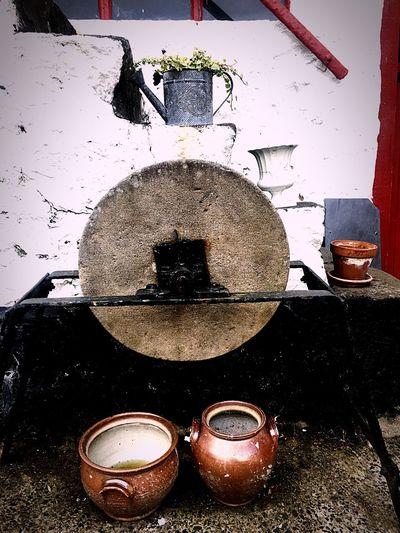 Grinding Stone Barn Pots Vintage