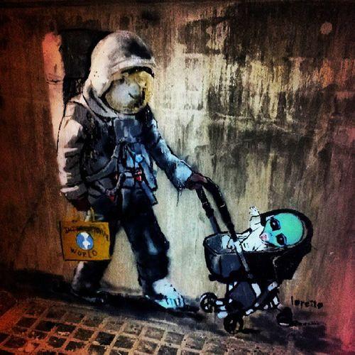 Walkinghome Banditcountry Streetart