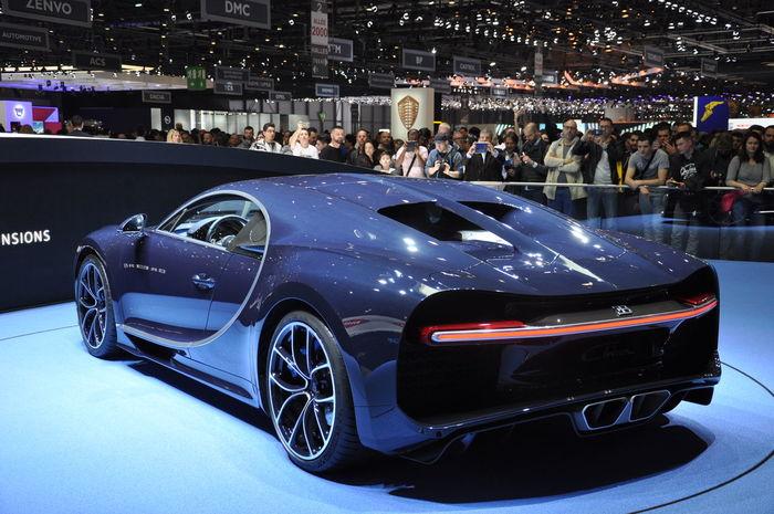 Aston Martin Vanquish S Buggati Car Chiron Geneva 2017 Lamborghini