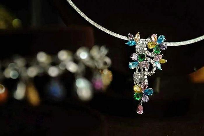 #Gold #wedding #Diamond Ornate No People Elégance Fashion Indoors  Celebration Multi Colored Glamour Black Background