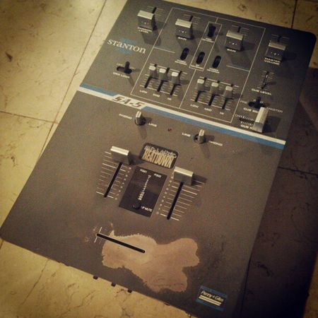 One day I shall restore my SA-5 and bring it out of commission. One of my most favorite mixers ever owned. Obviously you can tell by the fader :). Stanton  Mixer Scratcher Cuts4days