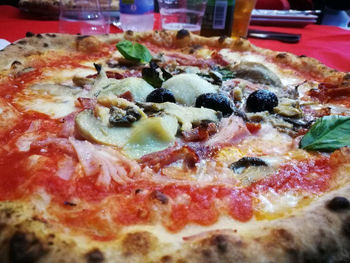 Pizza Capricciosa Napolitaly