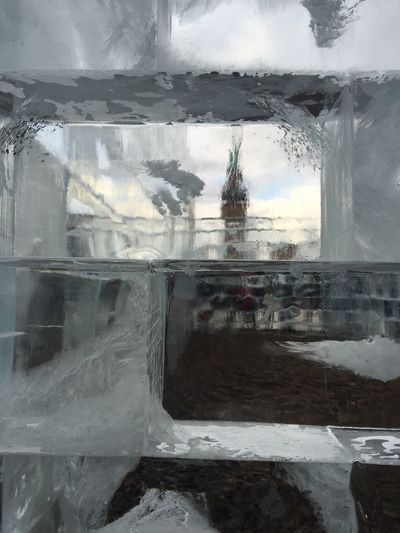 There's an interesting #ice #structure melting behind the Neuenationalgalerie ! Berlinartweek is ON!