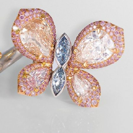 Pink and blue Diamonds Jewellery Jewelery Instagramania Instaturk Igersturkiye Popular Instagramania Moda Trend Stil Mücevher Instadaily Instajewelery Awesome Luxury LUSSO