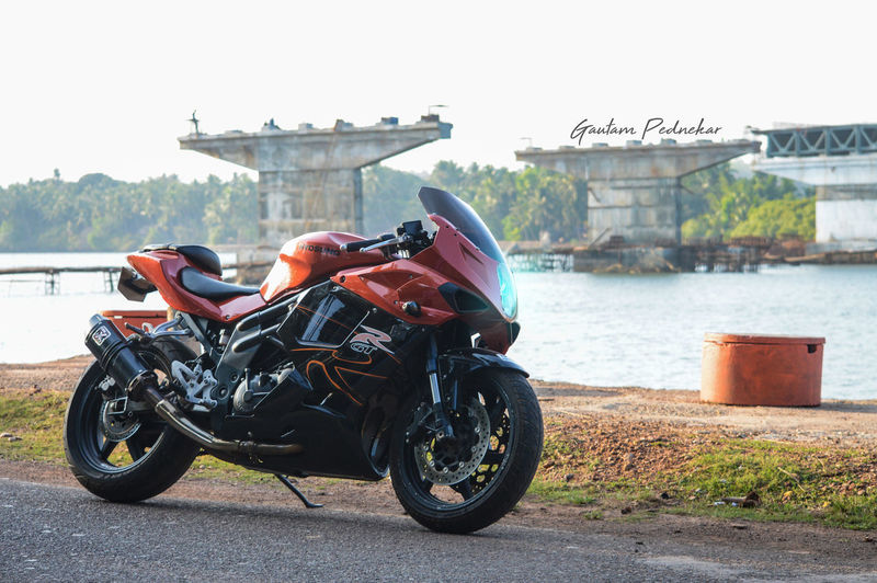 Hyosung HYOSUNG_GTR_😍😍 Hyosung650 Bike Goa Biker City Motorcycle Water Sky Architecture Built Structure Parking Land Vehicle First Eyeem Photo