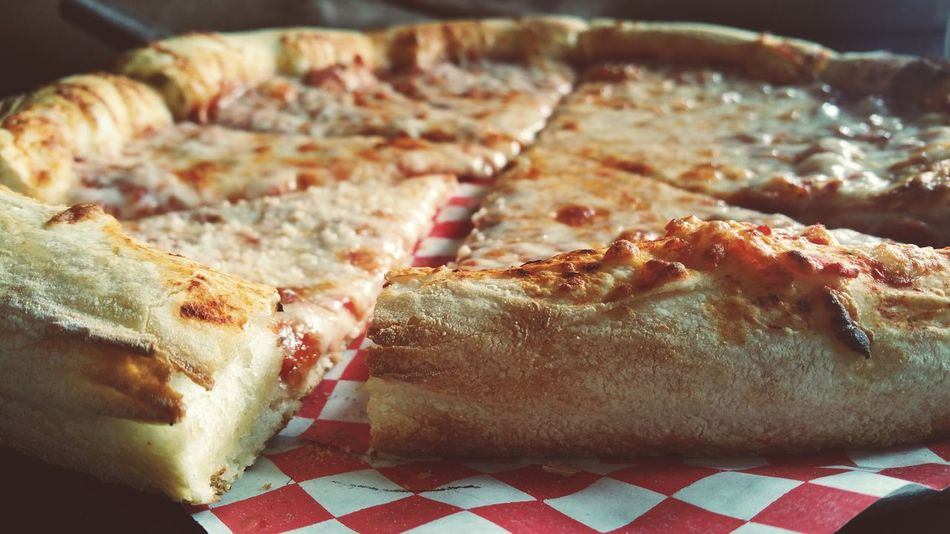 Pizza pizza. Pizza Red Checkered Food American Food Dinner Show Us Your Takeaway! Delivery Heroes