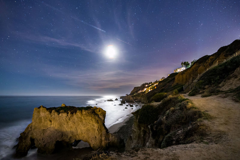 Canon 6D, Tokina AT-X 16-28mm f/2.8 Pro FX Beach Landscape Long Exposure Malibu Moon Night Nightphotography Nightscape Skyurban Stars