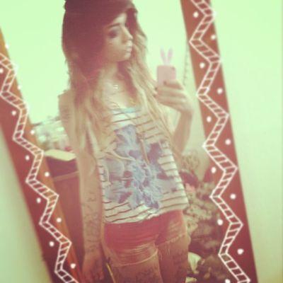 Hipstergirl Ootd Ombrehair Redwhiteblue highwastedshorts longhairdontcare blackeyeshadow
