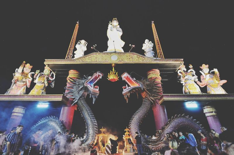 sanggar agung Patung Budha Nikonindonesia Landscapephotography Landscape Landscape_lovers Night Iamindonesia Iamnikon Surabaya Exploresurabaya Telkomselmerahputih Aslisurabaya Lovesuroboyo Nikonteamofficial Sanggaragung Lampion Tokina Kenjeran King - Royal Person Illuminated Statue Crowd City Sky Buddha