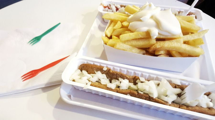 Frikandel Special with onions and Fries, Antwerp, Belgium Fried Frituur Frikandel Speciaal Frikandel Mayonnaise Onions Fries Belgium Antwerpen Antwerp Potatoe Chips Streetfood Street Food Sweet Food Food And Drink Fried Food French Fries