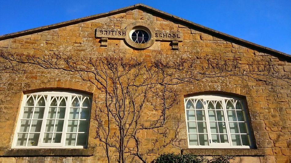 Taking Photos Building Exterior Cotswolds Windows Oldbuilding Blue Sky Wall - Building Feature Wall