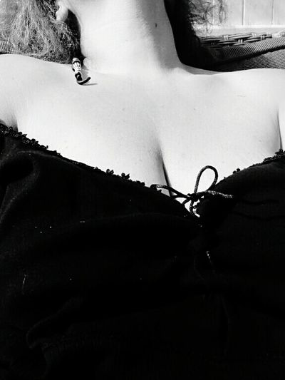 Black and white...... Sensual_woman SexyGirl.♥ Woman Who Inspire You Sexyselfie Boops JustMe(:  Curvesaresexy Curvyisthenewsexy Curvygirls
