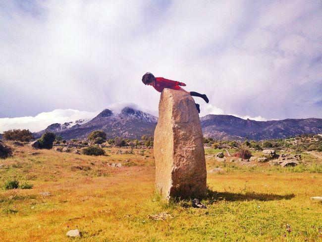 Ha Salido Al Padre Jejeje #planking #maliciosa #mountain #primavera #ilovemountains #spring #nature #leyre