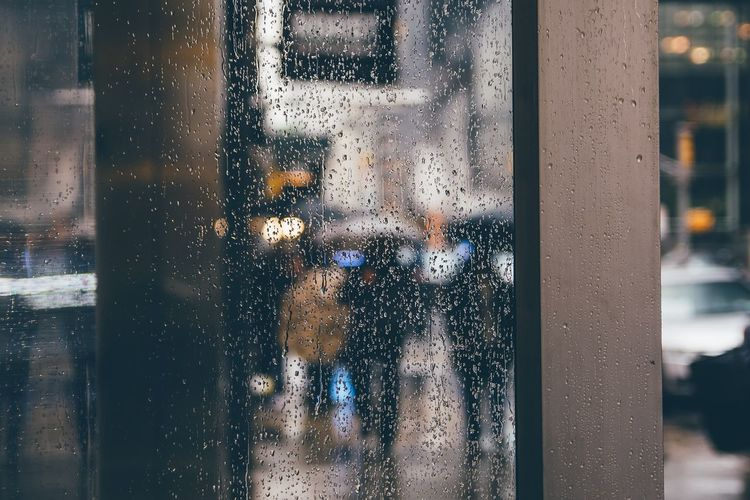 se7en EyeEm Best Shots EyeEmNewHere EyeEm Selects EyeEm Gallery EyeEm EyeEmBestPics TheWeekOnEyeEM New York City New York Moody Rainy Days Rain RainDrop Street Streetphotography Street Life City Frosted Glass Looking Through Window Wet Autumn Mood Streetwise Photography The Art Of Street Photography The Street Photographer - 2019 EyeEm Awards