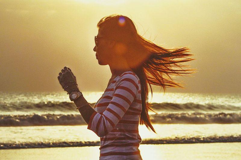 Potatoheadbali Sunset Ismayani Beach Silhouette Backlight Girl Shadow Light Woman
