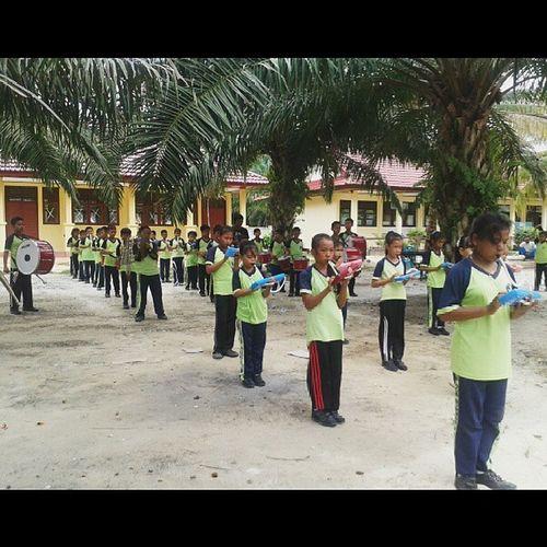 pelatihan drumband hari pertama.. Kukerta Sumberjaya