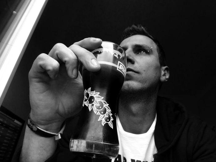 B&W Portrait Autoportrait Picon Beer