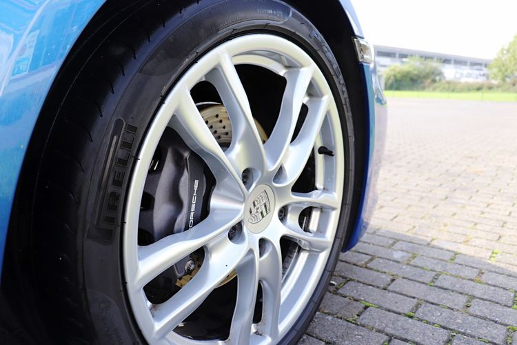 EyeEm Selects Tire Wheel Transportation Outdoors Car Land Vehicle Day No People Close-up Porsche Blue Color