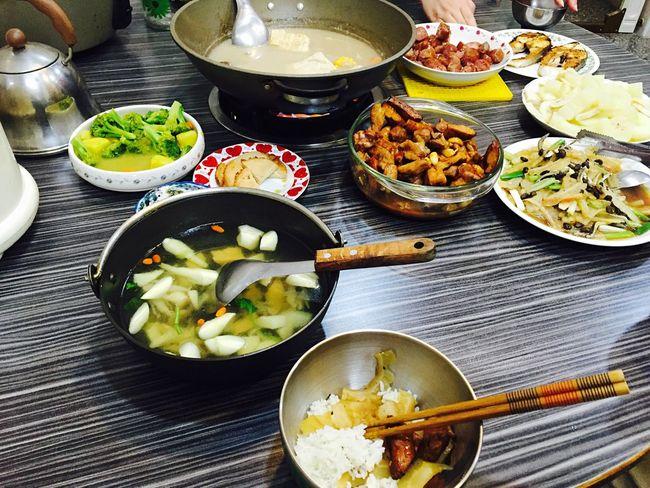 好想念媽咪煮的飯 大家齊聚一堂 一起吃飯好幸福❤️