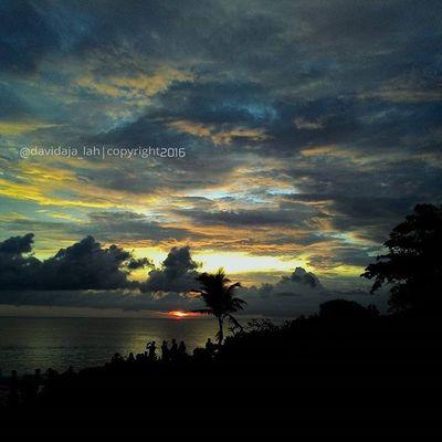 Para Pencari Senja,, . Tanah Lot, Tabanan - Bali . Taken by : [Zenfone5 ] . Zenfonesia Zenfone_id Kofipon Kamerahpgw Tanahlot Pencarisenja