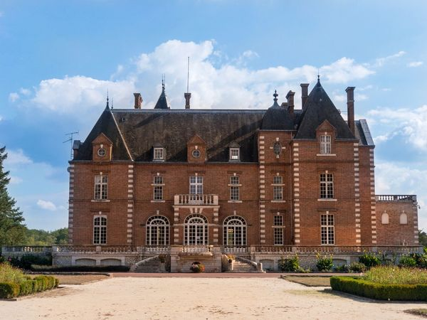🏰 Summer Sunny Castles Architecture_collection Château French Castle France Architecture Building Exterior Built Structure Building Sky Cloud - Sky The Past History Nature Travel Destinations