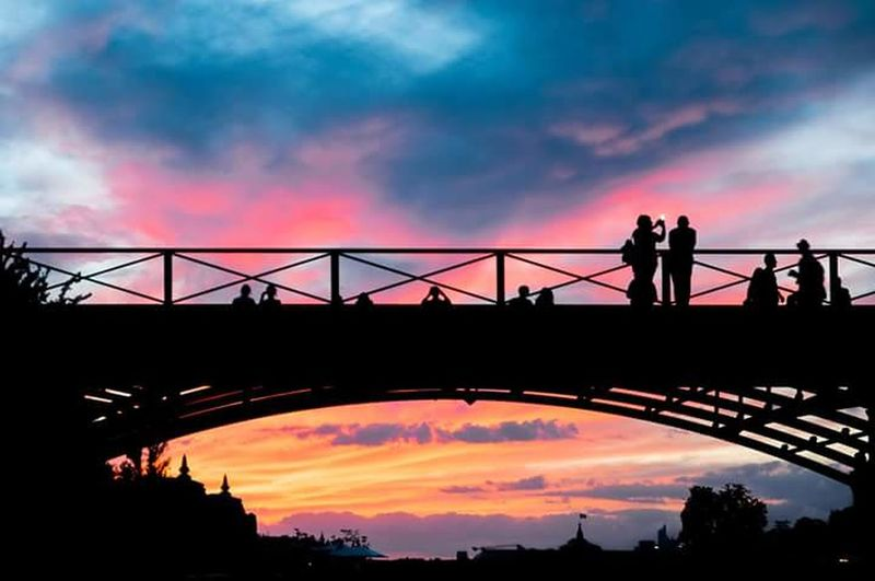 Sunset Silhouette Sky Bridge - Man Made Structure Dramatic Sky Tourism Summer The Week Of Eyeem Cloud - Sky Paris