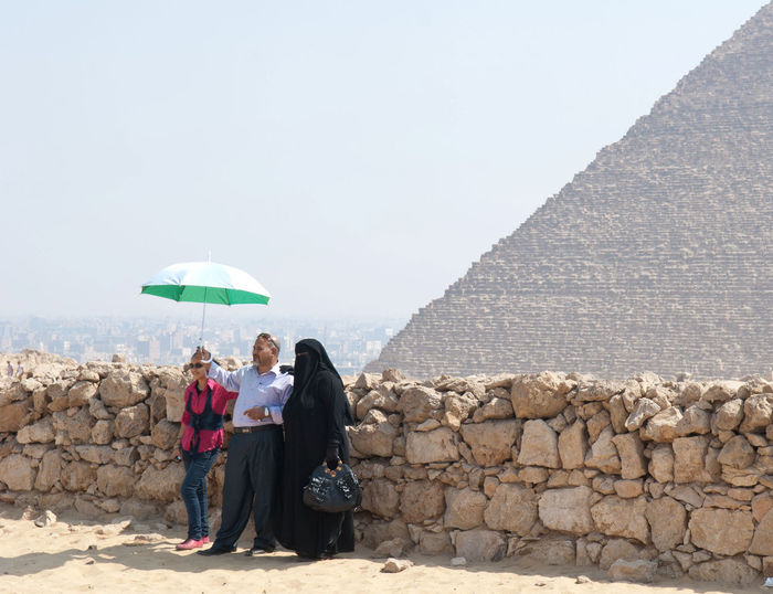 Burka  Giza, Caïro, Egypt Piramid Real People